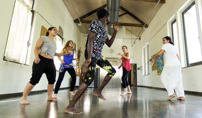 Alblamoving: Barcelona Arts Workshop: Discover African Music and Dance