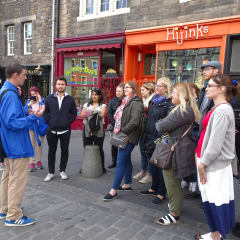 walking tour of Edinburgh