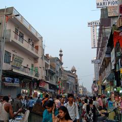 Delhi street children in India
