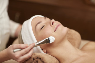 Facial Treatment In Your Own Home - 60 Minutes