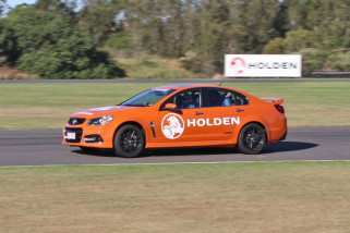 Hot Laps In A V8 SS Commodore