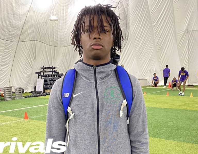 Photo of Mich. 2022 receiver Tay'Shawn Trent as much as a dozen provides