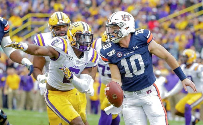 #2 LSU Tops #9 Auburn 23-20 To Remain Unbeaten