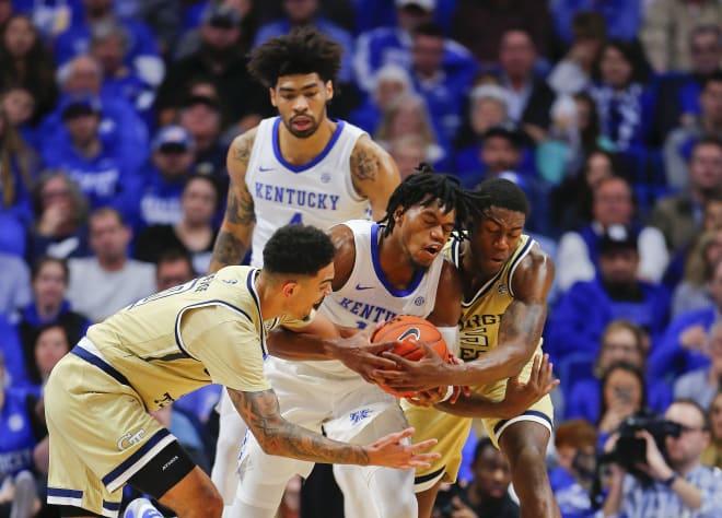 #8 Kentucky defeats Georgia Tech 67-53