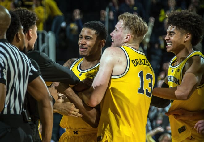 Charles Matthews Hits Buzzer Beater to Clinch Michigan's Win vs