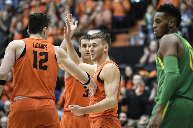 Tres Tinkle scores 18, but Oregon State falls at Arizona