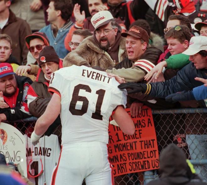 Former Michigan Wolverines football center Steve Everitt