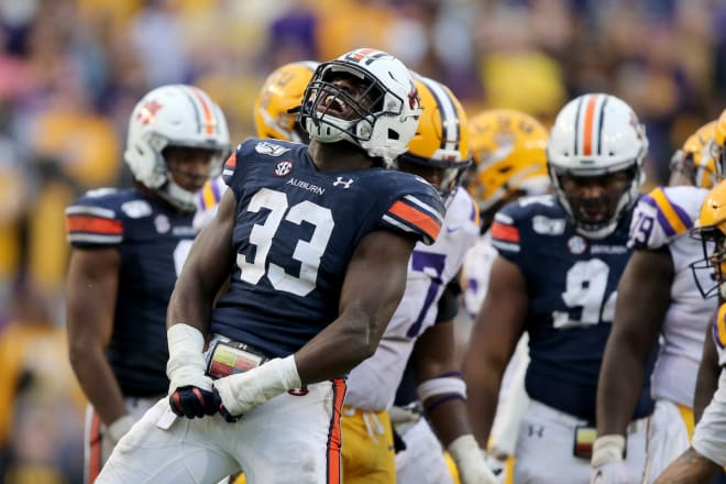 #2 LSU Tops #9 Auburn 23-20 To Remain Unbeaten