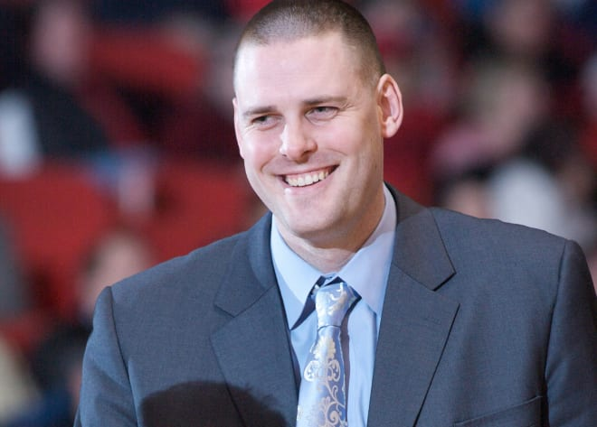 TheHoosier - Social Media Reaction: Mike Roberts Hired As Indiana Basketball Asst. Coach