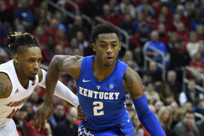 Kentucky 1-Point Favorite in Annual Rivalry Game vs Louisville