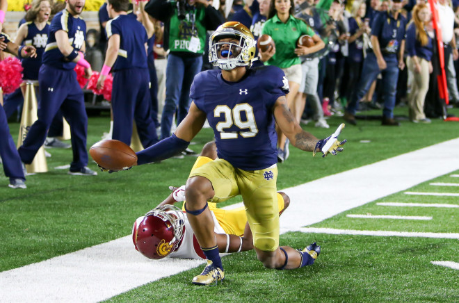 Knee injury to sideline Irish LB Greer Martini vs. USC