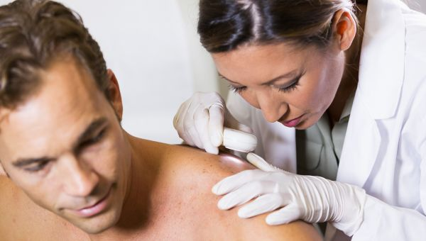 an introduction to the issue of skin cancer Category: essays research papers title: skin cancer sunburn and the uv light can damage the skin and lead to skin cancer in order to put this issue.