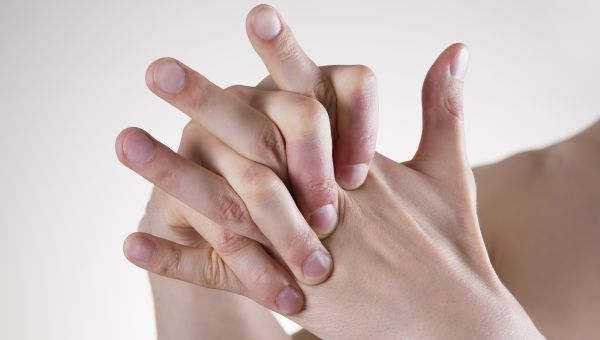 Fact or Fiction: Cracking Your Knuckles Causes Arthritis