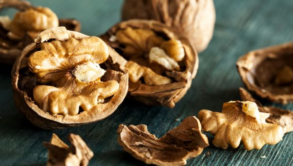Keep Your Arteries Clear With Walnuts