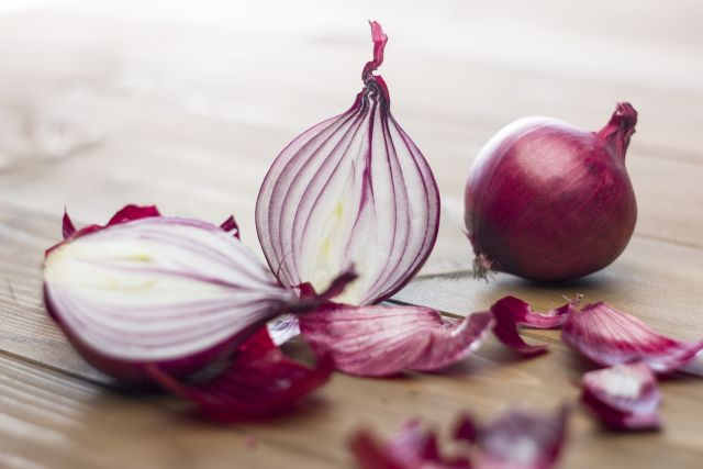 Make Onions Even Healthier with This Storage Trick
