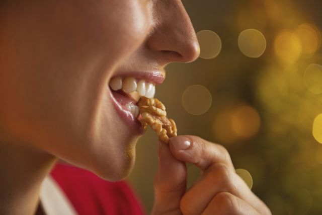 Trick Your Digestive System Into Eating Less