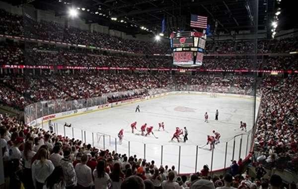 UW Men's Hockey vs. Northern Michigan University