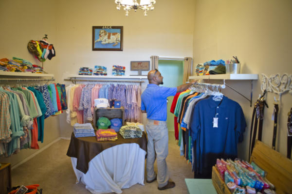 HHL_Milledgeville_Shopping080