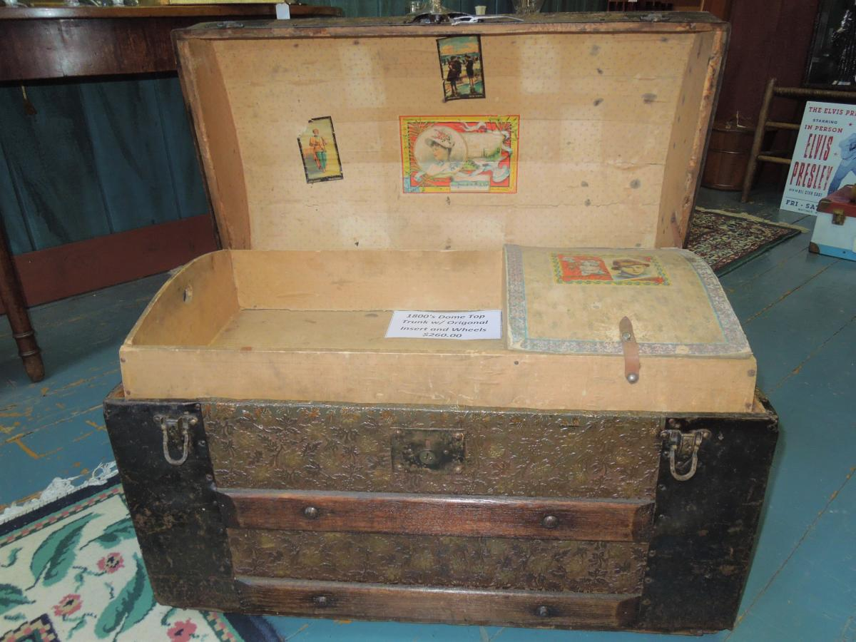 Kat's Antiques chest