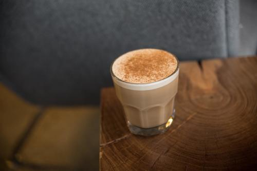 Ferris Coffee & Nut Brown Butter Black Tea Latte