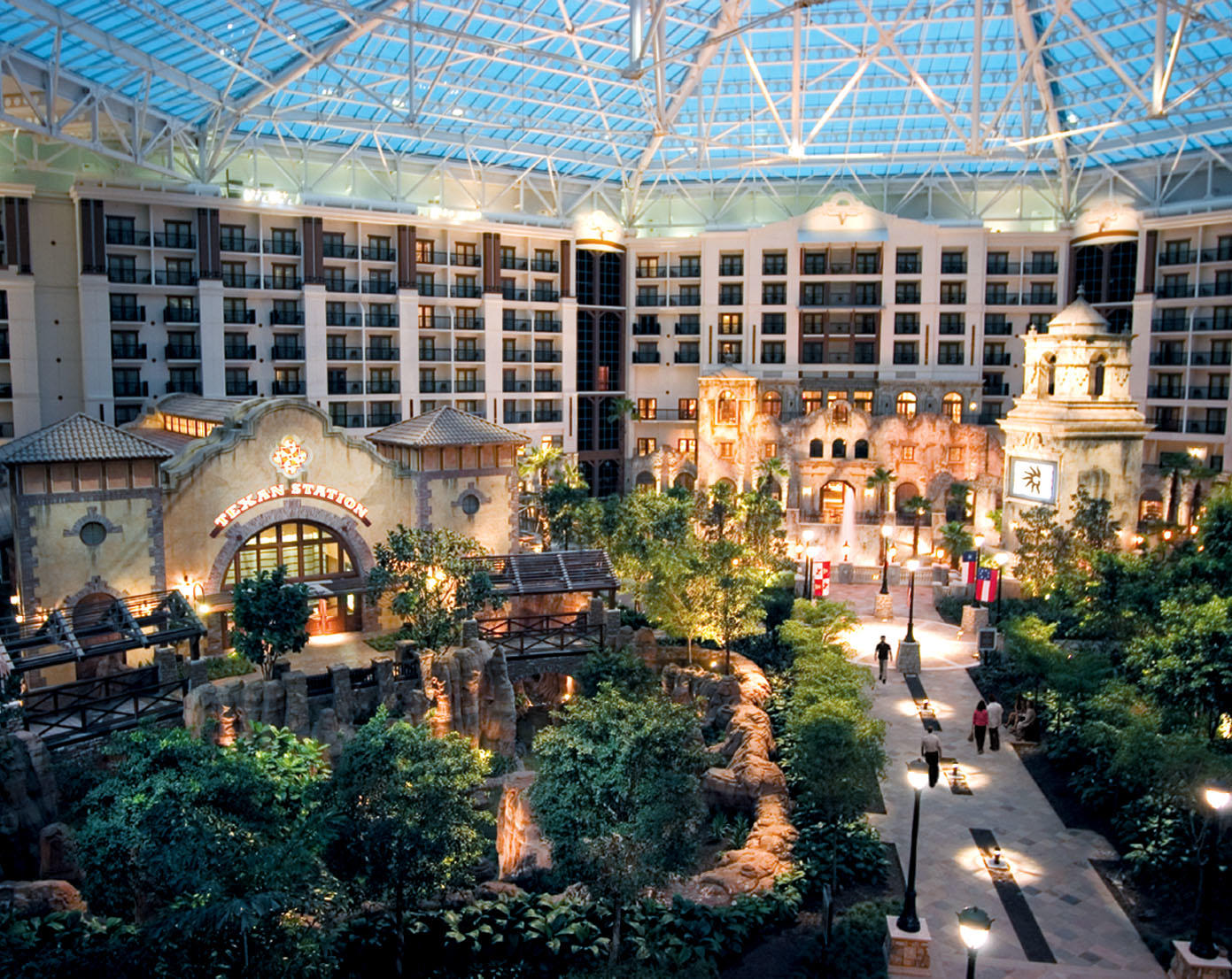 15 Closest Hotels to Gaylord Texan Convention Center in ...