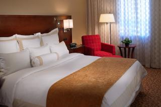 Des Moines Marriott Downtown Guestroom