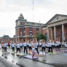 Yoga on Castle Street in Geneva