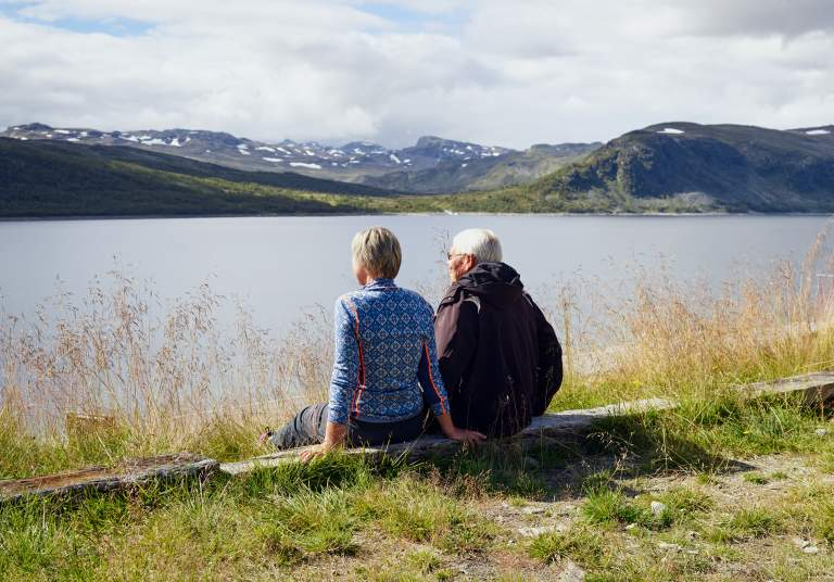 People at route 50 on a nice hike in Geilo area