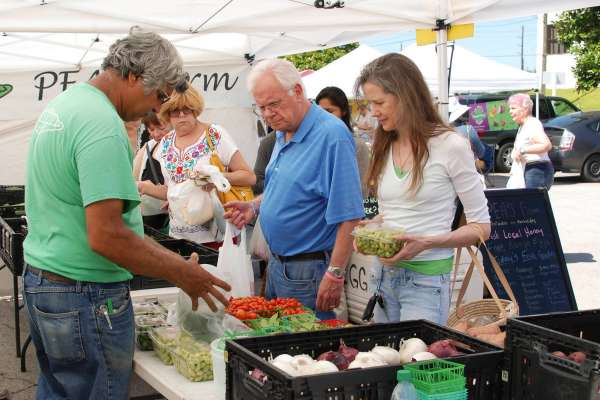 Shop Local at These 6 Houston's Farmers Markets
