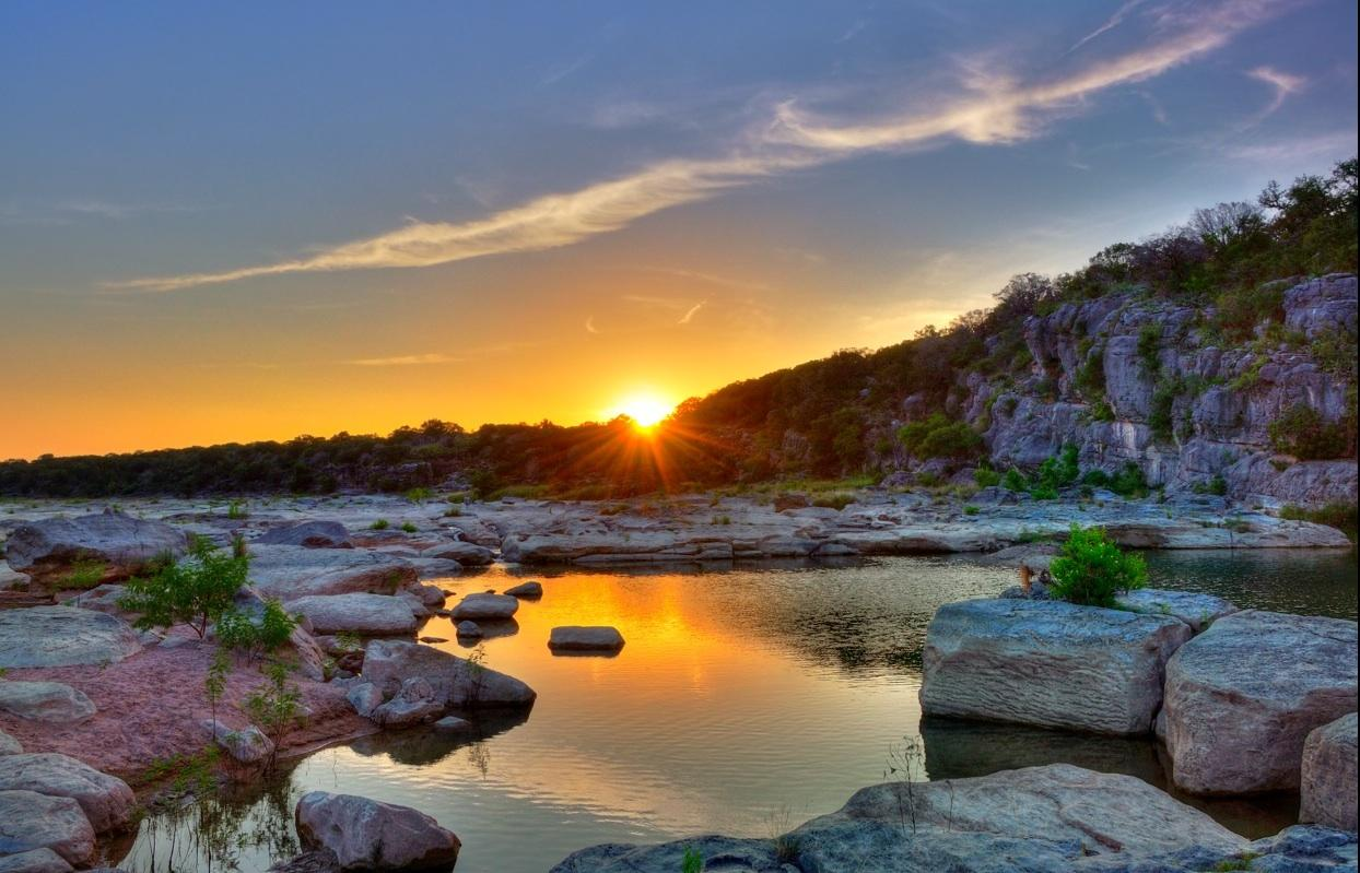 Ten best parks to visit camp near austin texas for Best hotels by state