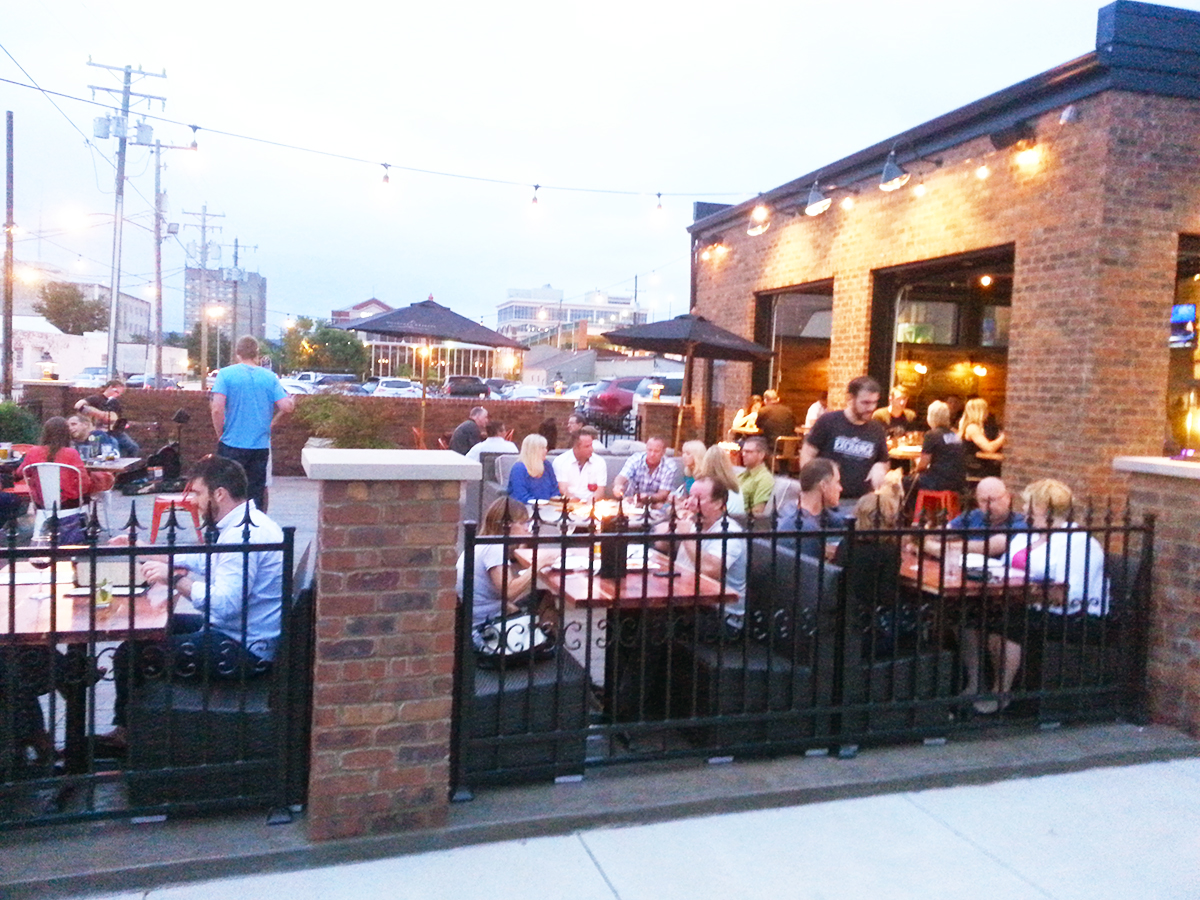 New Albany_Dining_ExchangePatio