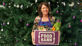 Celebrity chef Anna Gare joins the fight against hunger.