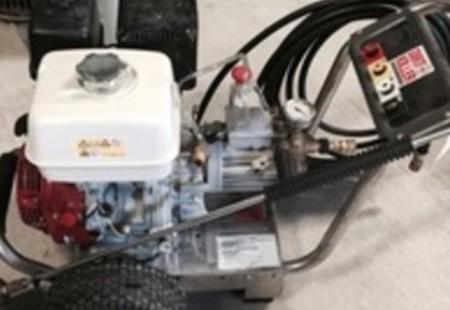 2000 PSI Cold Water Gas Powered Pressure Washer