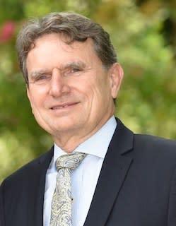 Dr Michael  Pulch