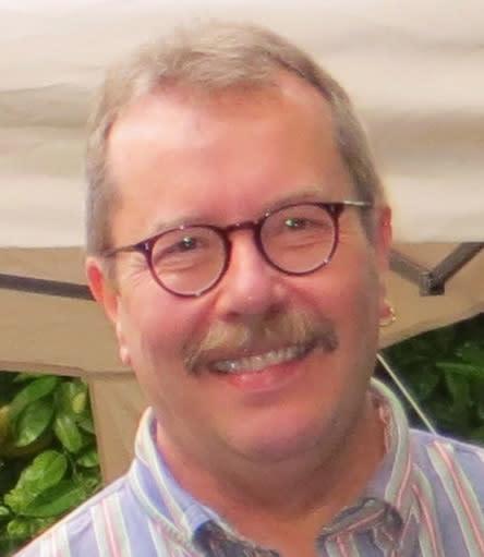 Dr Brent Davis