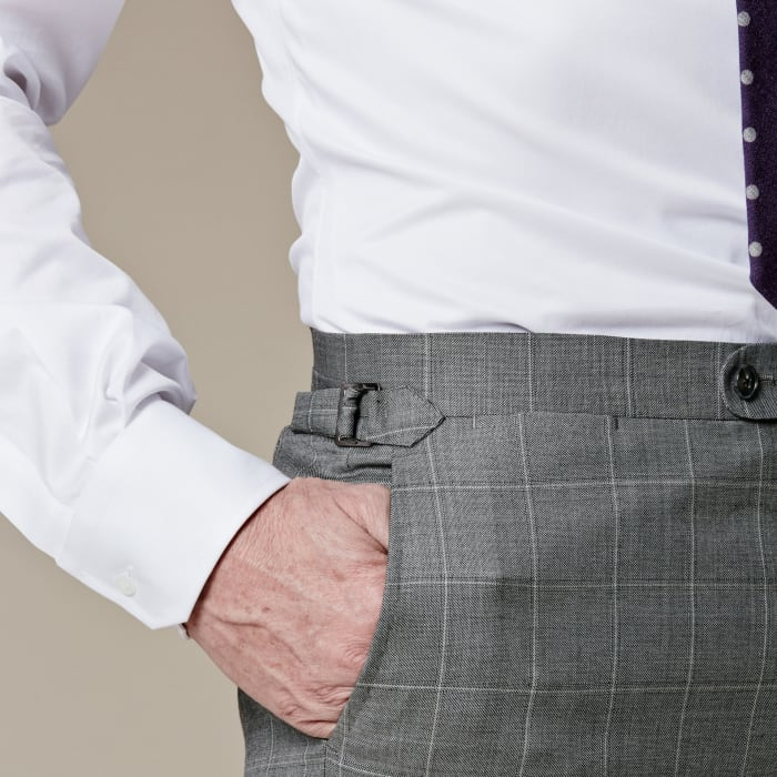 How to tuck in a shirt square