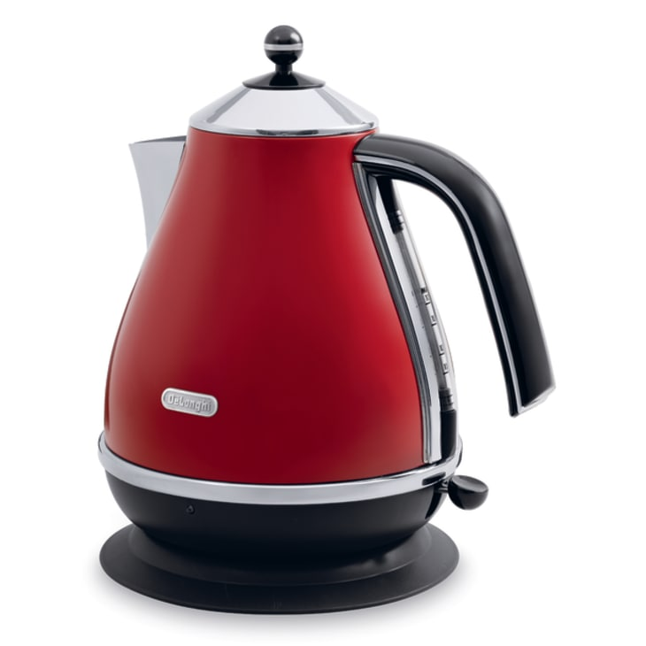 DeLonghi Icona Red Kettle
