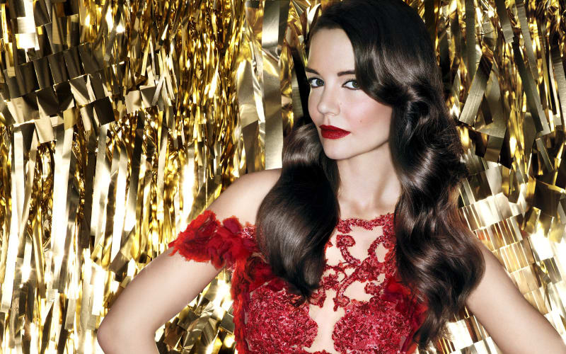 Party Perfection: A Masterclass for Mistletoe Ready Make- Up