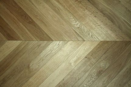 Prime Engineered Oak Chevron Smoked Brushed Oiled 18/5mm By 90mm By 850mm