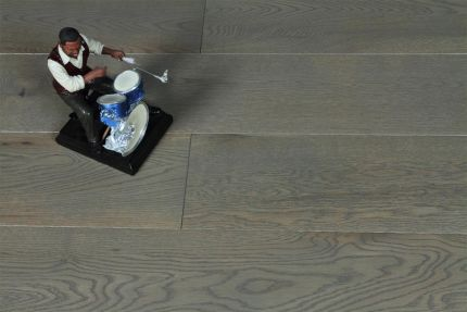 Select Engineered Oak Click Sahara Grey Brushed UV Lacquered 14/3mm By 190mm By 400-1900mm