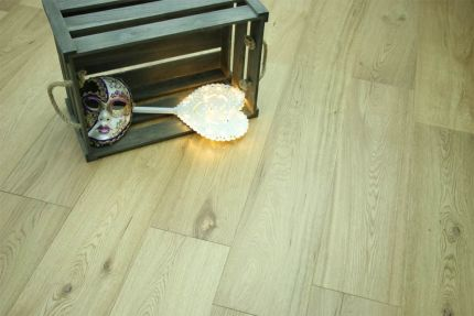 Natural Engineered Flooring Oak UV Lacquered 10/3mm By 190mm By 300-1500mm