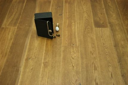 Select Engineered Flooring Oak Click Light Smoked Brushed UV Oiled 14/3mm By 190mm By 800-1900mm