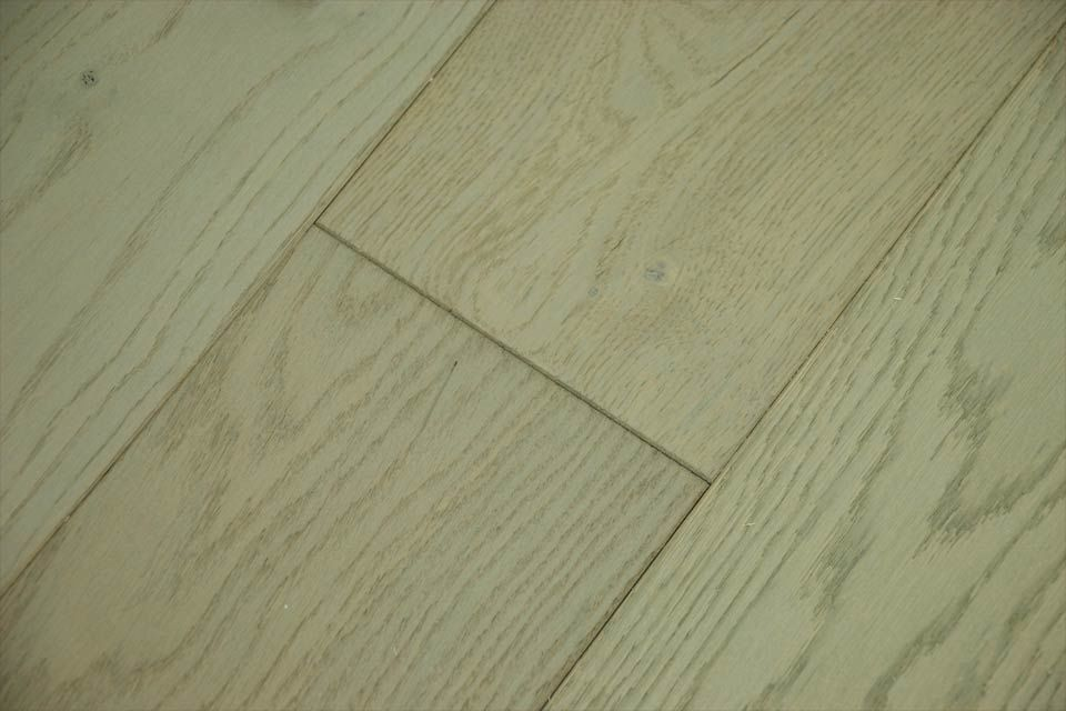 Natural engineered flooring oak uk grey brushed uv oiled for Engineered wood floor 6mm
