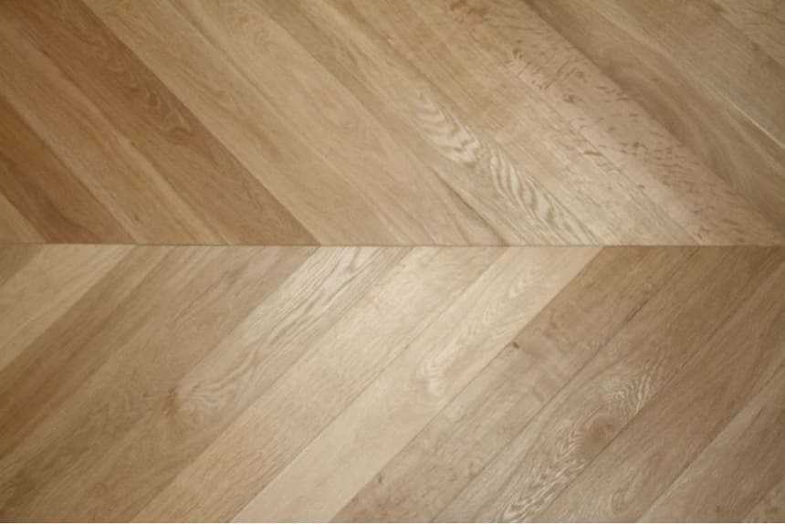 Prime Engineered Flooring Oak Chevron Unfinished 14/3mm By 100mm By 600mm
