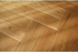 Prime Engineered Oak Herringbone UV Lacquered 15/4mm By 90mm By 900mm