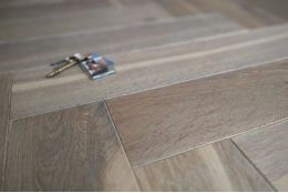 Natural Engineered Flooring Oak Herringbone Silver Tiger Hardwax Oiled 16/4mm By 120mm By 600mm