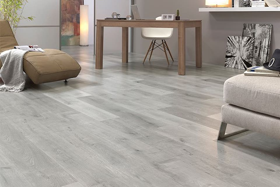 Bromo Light Grey Oak Laminate Flooring 8mm By 189mm By 1200mm