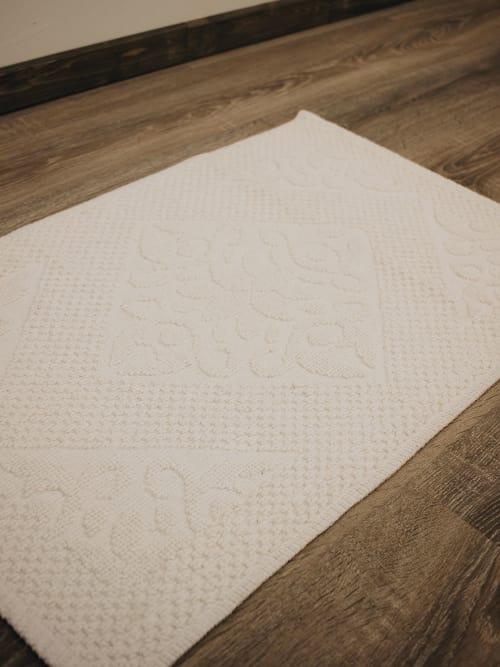 Disraeli tappeto bianco con rombi e fiori