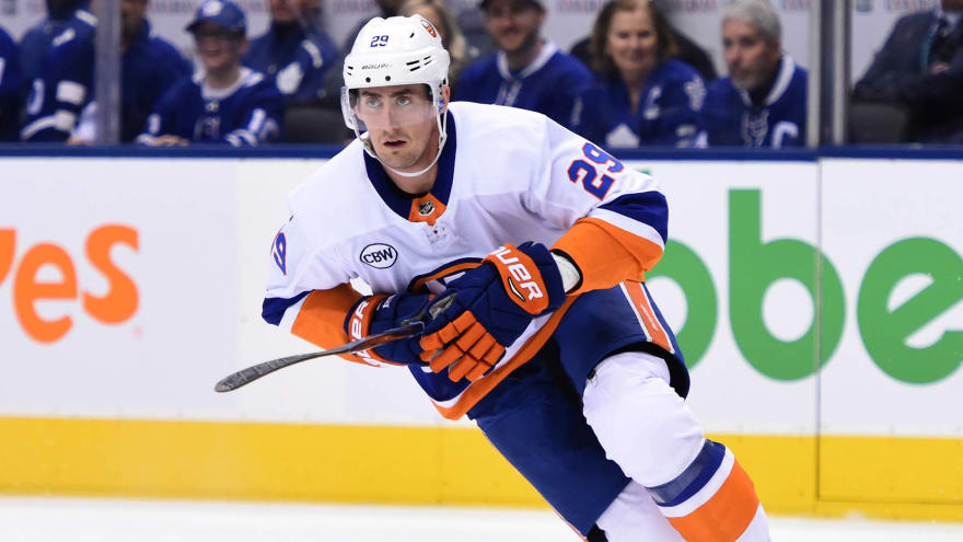 Islanders re-sign Brock Nelson to six-year extension
