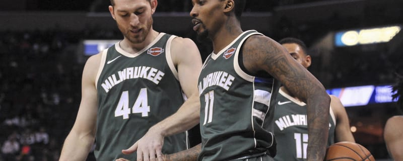 Bucks will reportedly guarantee Brandon Jennings  salary 33a7f5cd5